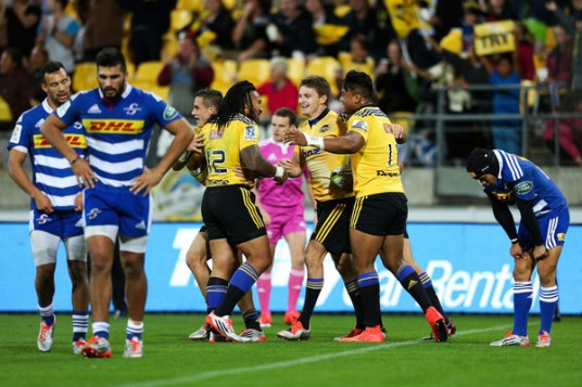 Beauden Barrett scored a wonderful try for the Hurricanes against the Stormers in the 2015 Super Rugby