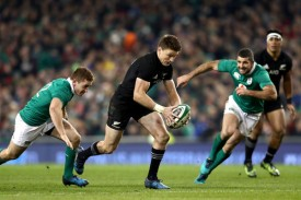 the-new-zealand-first-five-eighth-beauden-barrett-makes-a-break-in-the-ireland-defence-in-dublin-during-the-november-tests-in-2016