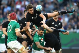 the-new-zealand-playmaker-beauden-barrett-attempts-to-catch-a-high-ball-against-ireland-in-chicago-during-the-november-internationals-in-2016