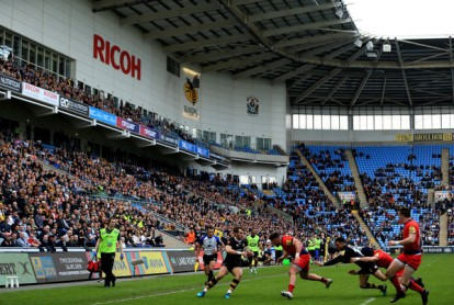 The Wasps back player Craig Hampson, ball in hand, against Worcester Warriors during the 2017-2018 Premiership at the Ricoh Arena, in England