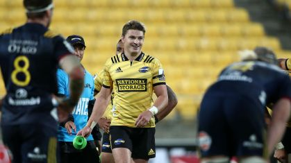 Beauden Barrett kicked the winning penalty for the Hurricanes against the Highlanders during the 2019 Super Rugby game in Wellington