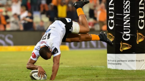 The Cheetahs fullback Rhyno Smith scoring a try against Munster during the 2019-2020 Pro14 season game in Bloemfontein, South Africa